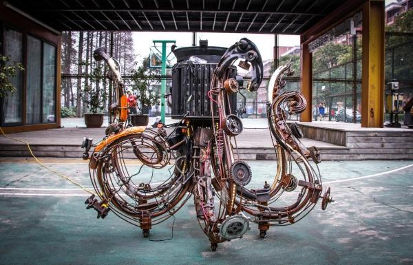 解码成龙创意中心里的上理公共艺术设计图片