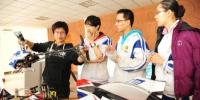 上海交大学生在校内参加科创活动。 - 上海交通大学