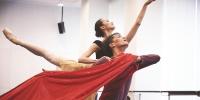 一堂基训公开课,尽显芭蕾的残酷与美丽 - 上海女性